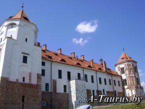 Дворец мирского замка с тыльной стороны