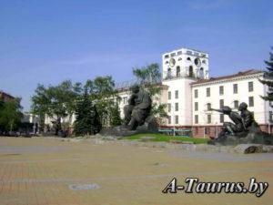 Памятник Коласу Якубу