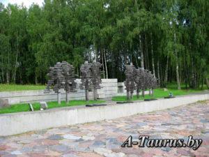 Деревья жизни в Хатыни
