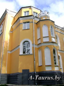 Башня торцового фасада дворца в Прилуки