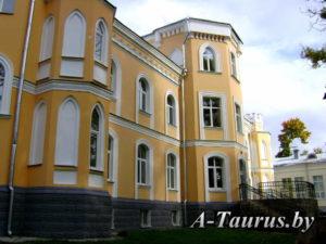 Дворовой фасад дворца в Прилуки