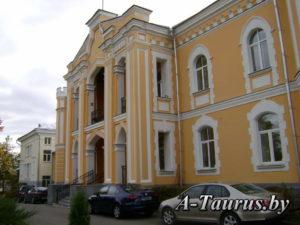 Резалит дворца в Прилуки
