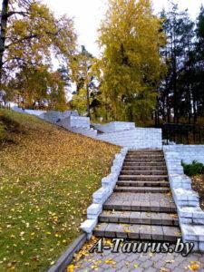 Лестница ведущая к верхней площадке памятника Батареи, Борисов