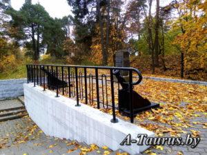 Верхняя площадка памятника Батареи в Борисове
