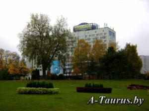 Гостиница Планета в Минске, вид с проспекта